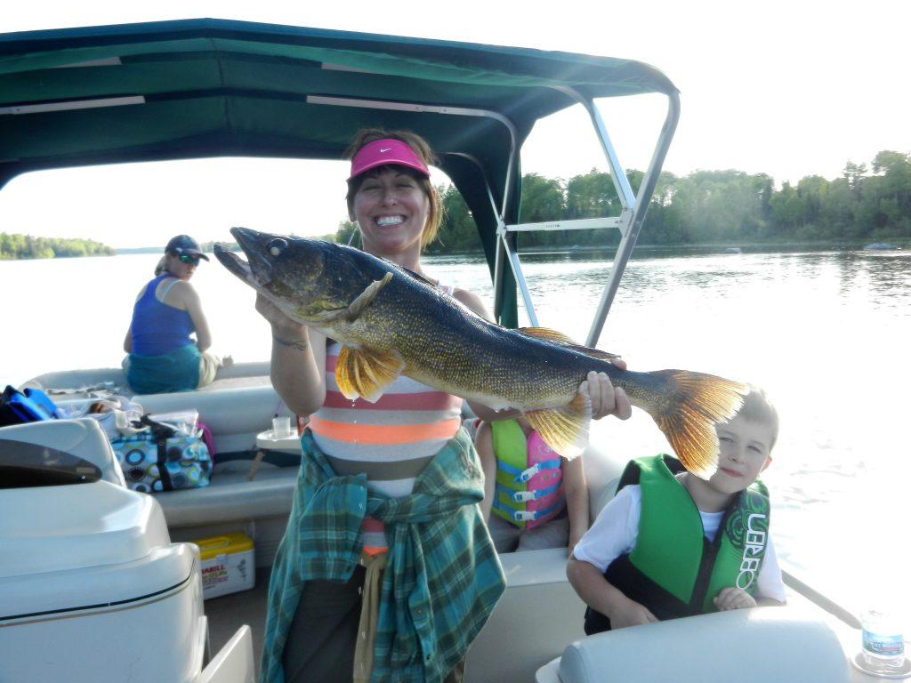 Top Minnesota Walleye Fishing Resorts-River Point Resort-Ely