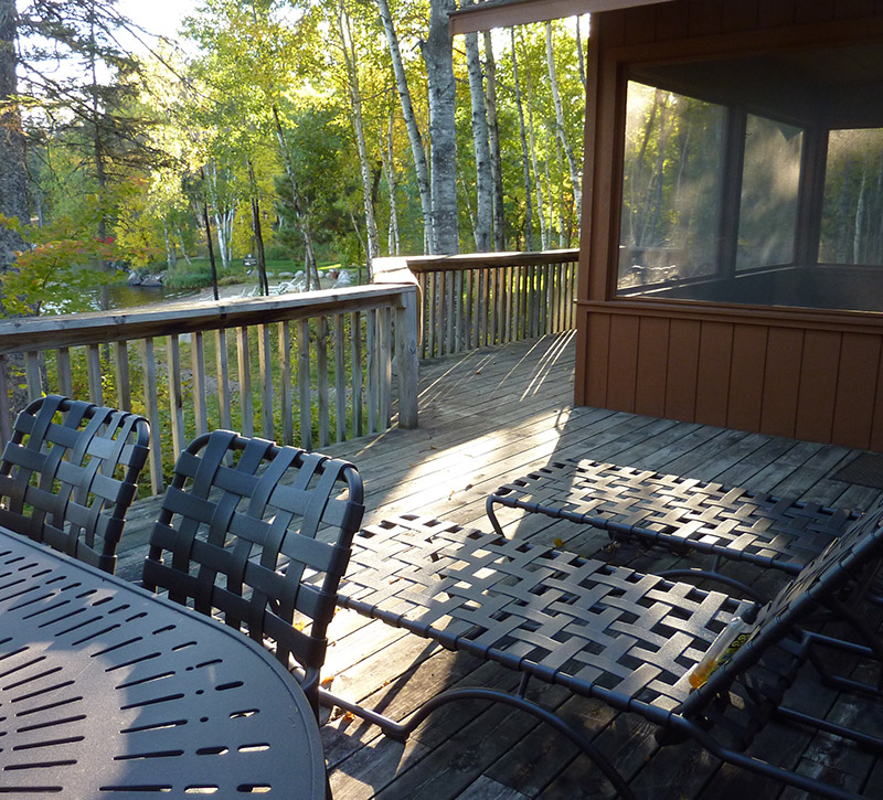 Ely MN Vacation Home Rentals-Sundeck Dining-River Point Resort-Birch Lake