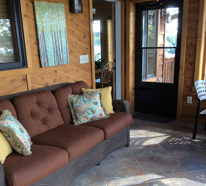 Ely MN Cabin Rentals-The Point Cabin Lakefront Porch-River Point Resort