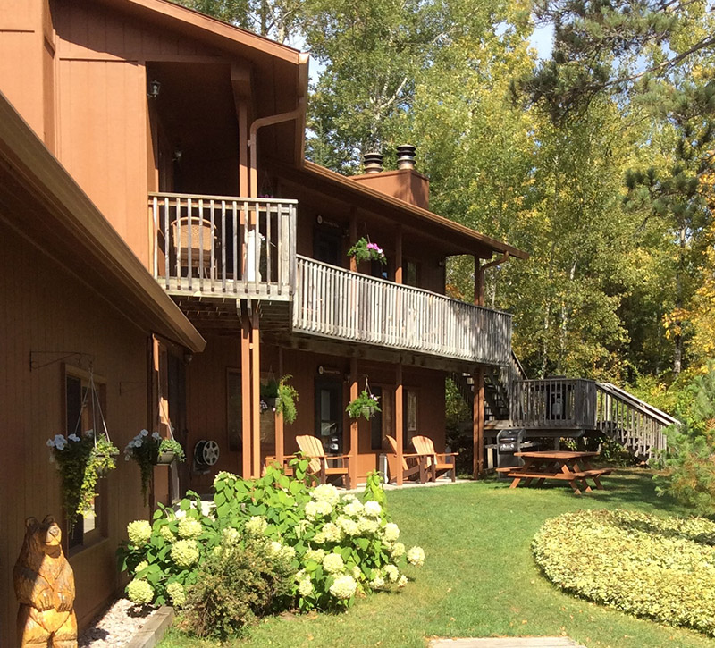 Ely Resorts Lodges-Stoneridge Villas-River Point Resort-Ely MN