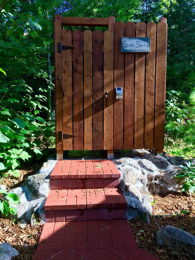 Northern Minnesota Resorts-River Point Resort-Garden Shower